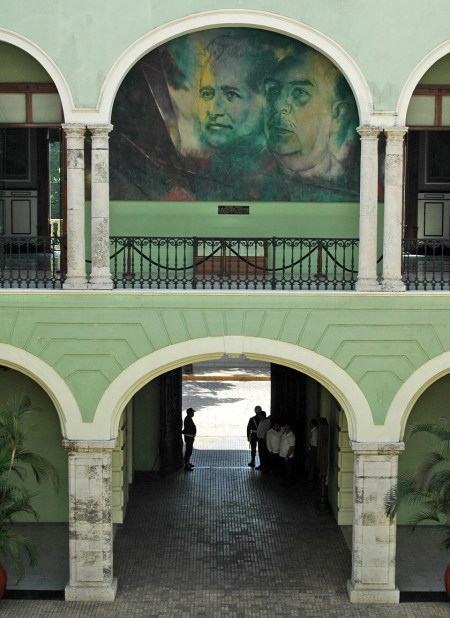 Historical-murals-In-the-colonial-town-of-Merida-on-the-Yucatan-in-Mexico