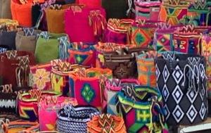 Handicraft-market-Cartagena-Colombia